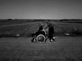 refugiados-caminando-serbia-fotos-gabriel-tizon-7